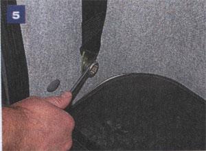 Верхнее крепление ремня ГАЗ 2217 Соболь
