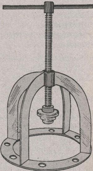 Приспособление для демонтажа ступицы ЗиЛ 5301 Бычок